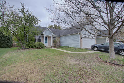 Kenosha Single Family Home Active Contingent With Offer: 10603 69th St