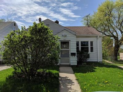Milwaukee Single Family Home Active Contingent With Offer: 837 N 54th St