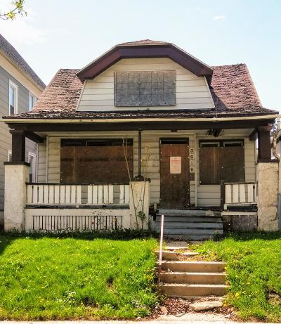 Milwaukee Single Family Home For Sale: 3619 N 26th St