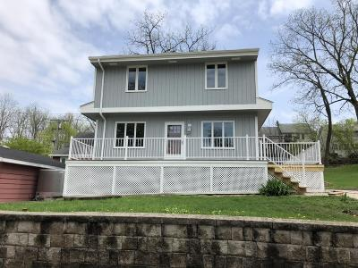 Pewaukee Single Family Home Active Contingent With Offer: 512 Spring St