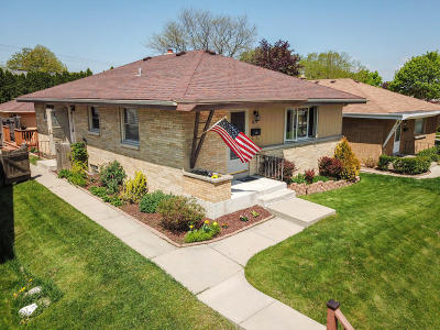 Milwaukee Single Family Home For Sale: 3839 N 98th St.