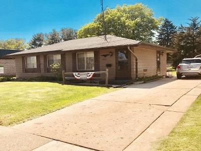 Kenosha Single Family Home Active Contingent With Offer: 4826 39th Ave