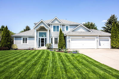 Menomonee Falls Single Family Home Active Contingent With Offer: W174n5115 Mulberry Ln