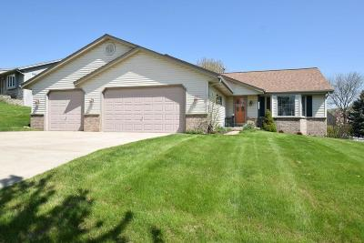 West Bend Single Family Home For Sale: 1317 Wolf Dr