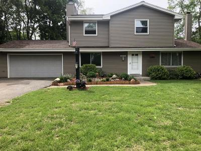 Mukwonago Single Family Home Active Contingent With Offer: S76w31675 Arbor Dr