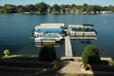 Oconomowoc Condo/Townhouse For Sale: 326 N Lake Rd #1A