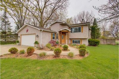 Pleasant Prairie WI Single Family Home For Sale: $389,500