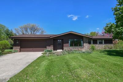 Mukwonago Single Family Home For Sale: S77w32894 Country Ln