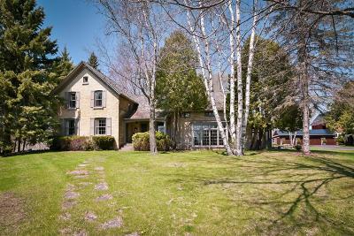 Saukville Single Family Home For Sale: 2510 Hawthorne Dr