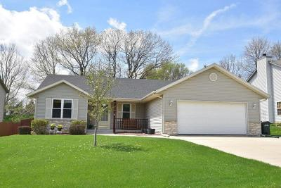 West Bend Single Family Home For Sale: 1232 Lee Ave