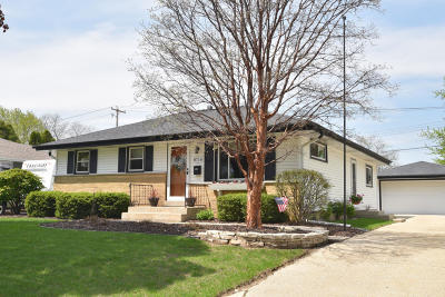 Milwaukee Single Family Home For Sale: 8716 W Custer Ave