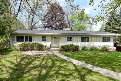 Hales Corners Single Family Home Active Contingent With Offer: 9650 W Edgerton Ave