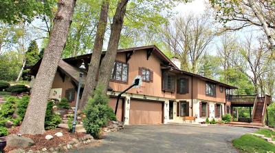 Brookfield Single Family Home For Sale: 1110 Briarcliff Trl