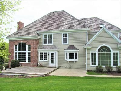 Menomonee Falls Single Family Home For Sale: W131n7886 Country Club Ct.