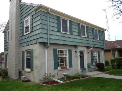 Milwaukee Single Family Home For Sale: 4273 S Howell Ave