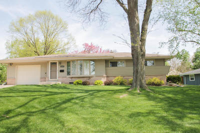 Single Family Home For Sale: 5762 Oxford Dr