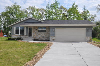 Waterford Single Family Home For Sale: 903 Rohda Dr