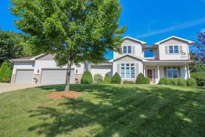Cambridge Single Family Home Active Contingent With Offer: W9192 Hidden Valley Pl