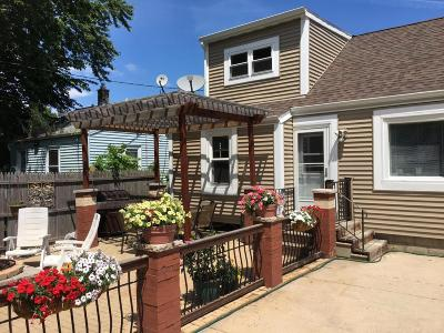 Milwaukee Single Family Home For Sale: 2649 S Fulton St