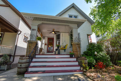 Milwaukee Single Family Home Active Contingent With Offer: 611 E Otjen St