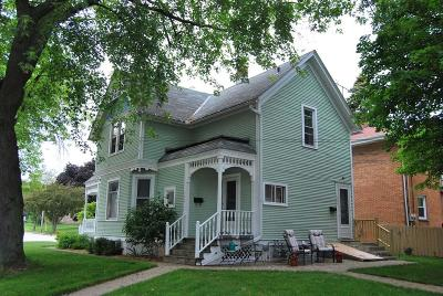 Ozaukee County Two Family Home For Sale: 902-904 N Wisconsin St