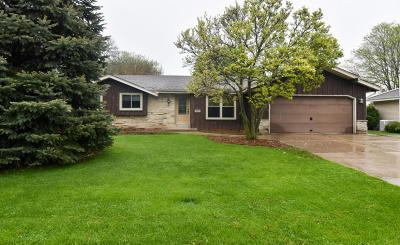 New Berlin Single Family Home Active Contingent With Offer: 4030 S Camrose Ave