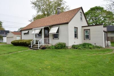 South Milwaukee Single Family Home For Sale: 3211 8th Ave