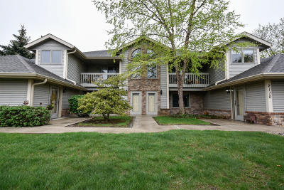 Waukesha Condo/Townhouse For Sale: 2110 Woodburn Road #D