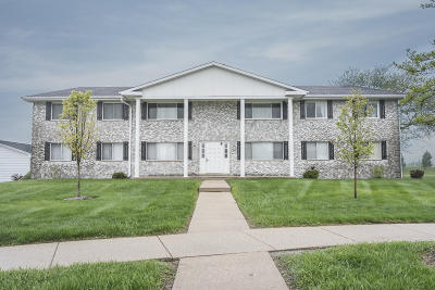 Franklin Condo/Townhouse Active Contingent With Offer: 10416 Whitnall Edge #104