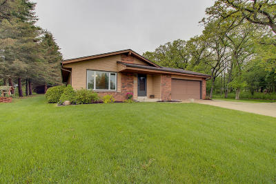 Mukwonago Single Family Home For Sale: W303s8491 Chestnut Dr