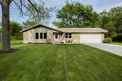 Brookfield WI Single Family Home For Sale: $283,900