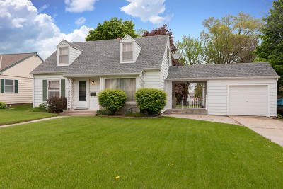 West Bend Single Family Home Active Contingent With Offer: 214 N Lincoln Dr