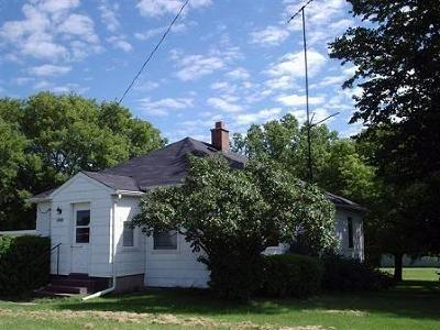 Menominee Single Family Home For Sale: N1716 Us-41