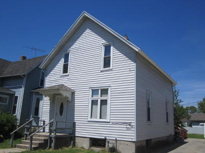 Marinette Single Family Home For Sale: 1860 Liberty St