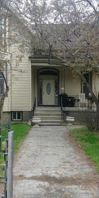 Menominee Multi Family Home For Sale: 526 5th Ave