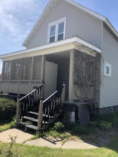 Single Family Home For Sale: 1271 Marinette Ave