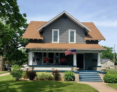 Menominee Single Family Home For Sale: 1616 14th Ave