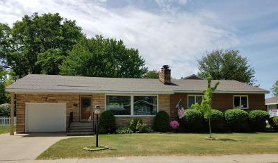 Menominee Single Family Home For Sale: 3305 16th St