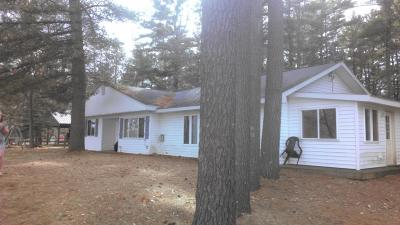 Marinette County Single Family Home For Sale: N10498 Caylor Rd