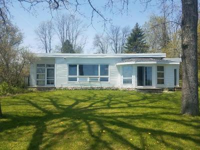 Cedar Grove Single Family Home For Sale: 7098 Sauk Trail Beach Rd