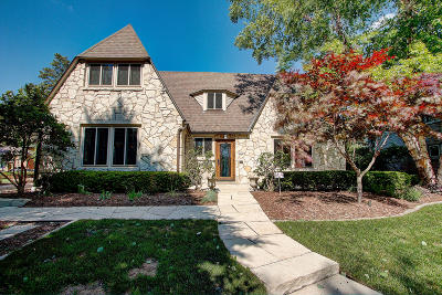 Milwaukee County Single Family Home For Sale: 6256 Upper Pkwy N