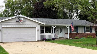 Single Family Home For Sale: N48w27950 Jerilane Ct.