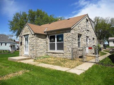 Greenfield WI Single Family Home For Sale: $169,900