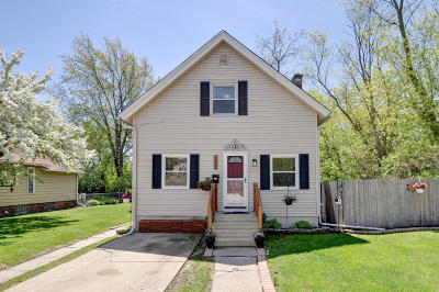 Kenosha WI Single Family Home For Sale: $136,900