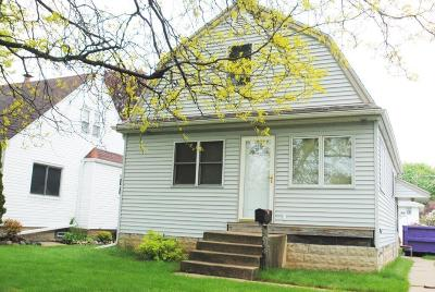 West Allis WI Single Family Home Active Contingent With Offer: $114,900