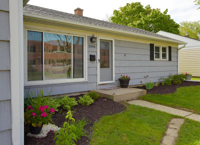 Whitefish Bay Single Family Home Active Contingent With Offer: 5046 N Lydell Ave