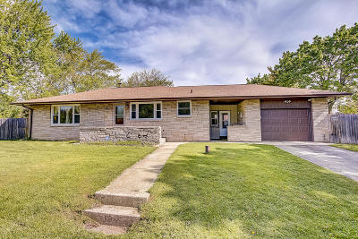 South Milwaukee Single Family Home For Sale: 1836 Marshall Ave