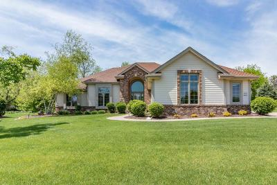 Pewaukee Single Family Home Active Contingent With Offer: W275n1621 Riverland Dr