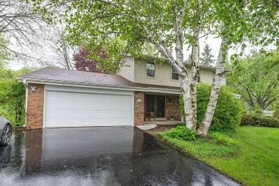 Hartland Single Family Home Active Contingent With Offer: W305n7023 Linda Ann Dr