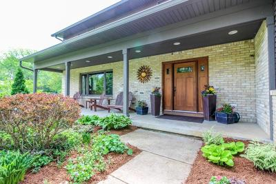 Cambridge Single Family Home Active Contingent With Offer: W9539 Grace Ln